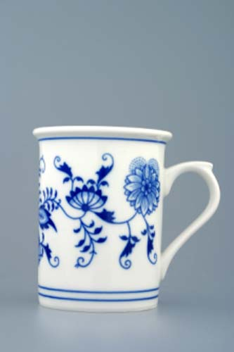 Zwiebelmuster Tubler with Handle 0.25L, Original Bohemia Porcelain from Dubi