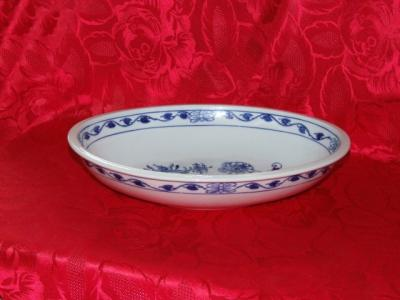 Zwiebelmuster Oval Large Baking Dish 32.5cm, Original Bohemia Porcelain from Dubi